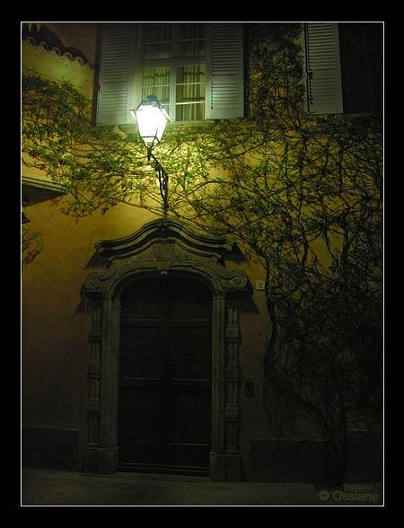 Visiteur du Soir, Songe d\\'une Nuit d\\'Eté derrière la Porte.