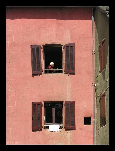 Soleil de Midi, Fenêtre de Poésie, un Homme Lit.